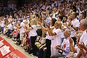 DESCRIZIONE : Reggio Emilia Lega A 2014-15 Grissin Bon Reggio Emilia Banco di Sardegna Sassari finale play off gara 1<br /> GIOCATORE : tifosi Grissin Bon Reggio Emilia<br /> CATEGORIA : tifosi<br /> SQUADRA : Grissin Bon Reggio Emilia<br /> EVENTO : Campionato Lega A 2014-2015<br /> GARA : Grissin Bon Reggio Emilia Banco di Sardegna Sassari<br /> DATA : 14/06/2015<br /> SPORT : Pallacanestro <br /> AUTORE : Agenzia Ciamillo-Castoria/E.Rossi<br /> Galleria : Lega Basket A 2014-2015 <br /> Fotonotizia : Reggio Emilia Lega A 2014-15 Grissin Bon Reggio Emilia Banco di Sardegna Sassari finale play off gara 1