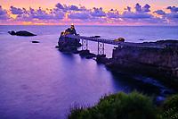 France, Pyrénées-Atlantiques (64), Pays Basque, Biarritz, le rocher de la Vierge // France, Pyrénées-Atlantiques (64), Basque Country, Biarritz, the rock of the Virgin
