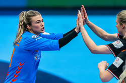 Tess Wester of Netherlands celebrate after the Women's EHF Euro 2020 match between Netherlands and Hungry at Sydbank Arena on december 08, 2020 in Kolding, Denmark (Photo by RHF Agency/Ronald Hoogendoorn)