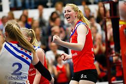20150425 NED: Eredivisie VC Sneek - Eurosped, Sneek<br />Carlijn Ghijssen - Jans (8) of VC Sneek<br />©2015-FotoHoogendoorn.nl / Pim Waslander