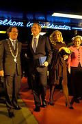 Z.K.H. de Prins van Oranje en H.K.H. Prinses Máxima waren zaterdag 25 november aanwezig bij de officiële opening van het Erasmusfestival in het Theater aan de Parade in 's-Hertogenbosch. / Z.K.H. Prince of oranje and H.K.H. Princess Máxima were Saturday 25 November present at the official opening of the Erasmusfestival in the theatre to the parade in s hertogenbosch.