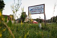 03.07.2013 woj warminsko-mazurskie n/z szyld agencji towarzyskiej przy drodze nr 655 fot Michal Kosc / AGENCJA WSCHOD