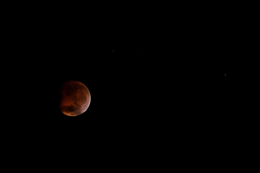 Eclipse lunar / eclipse de luna en solsticio, 21 de diciembre de 2010.