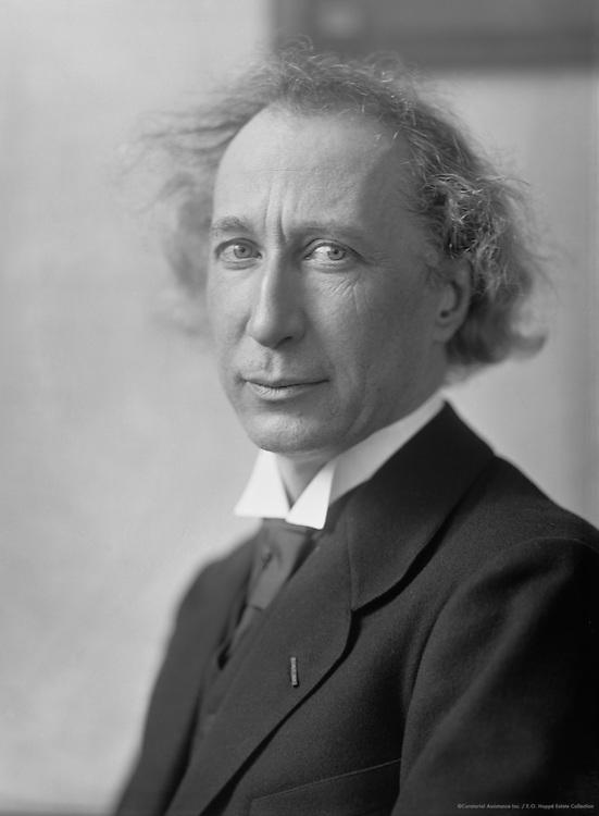 Emil Sauer, professor, composer and pianist, 1912
