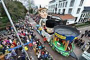 Nederland, Beek, Berg en Dal, 27-2-2017 Traditiegetrouw vindt in dit dorp bij Nijmegen en tegen de grens met Duitsland de Rozenmoandag carnavalsoptocht plaats. Alle wagens, praalwagens, carnavalswagens uit de regio komen dan langs want het is de enige optocht. Foto: Flip Franssen