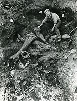 1920 Digger in the La Brea Tar Pits