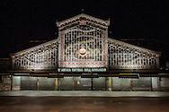 Torino, Porta Palazzo di notte.