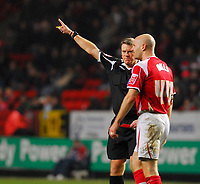 Photo: Leigh Quinnell/Sportsbeat Images.<br /> Charlton Athletic v Hull City. Coca Cola Championship. 22/12/2007. Charltons Danny Mills is shown a red card by referee A Bates.