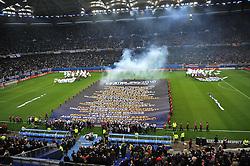"""12.05.2010, Hamburg Arena, Hamburg, GER, UEFA Europa League Finale, Atletico Madrid vs Fulham FC im Bild Feature ein Banner mit Aufschrift """"Hamburg 2010"""" und den teilnehmenden Mannschaften an der Europa League wird ausgebreitet.EXPA Pictures © 2010, PhotoCredit: EXPA/ nph/  Witke / SPORTIDA PHOTO AGENCY"""