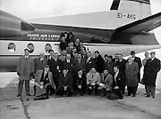 Irish Rugby Football Union, Five Nations, Irish team leaves for Twickenham, Dublin Airport, Ireland, 11th February, 1960,.11.2.1960, 2.11.1960,..