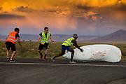 Yasmin Tredell tijdens de derde racedag. In Battle Mountain (Nevada) wordt ieder jaar de World Human Powered Speed Challenge gehouden. Tijdens deze wedstrijd wordt geprobeerd zo hard mogelijk te fietsen op pure menskracht. De deelnemers bestaan zowel uit teams van universiteiten als uit hobbyisten. Met de gestroomlijnde fietsen willen ze laten zien wat mogelijk is met menskracht.<br /> <br /> In Battle Mountain (Nevada) each year the World Human Powered Speed Challenge is held. During this race they try to ride on pure manpower as hard as possible.The participants consist of both teams from universities and from hobbyists. With the sleek bikes they want to show what is possible with human power.