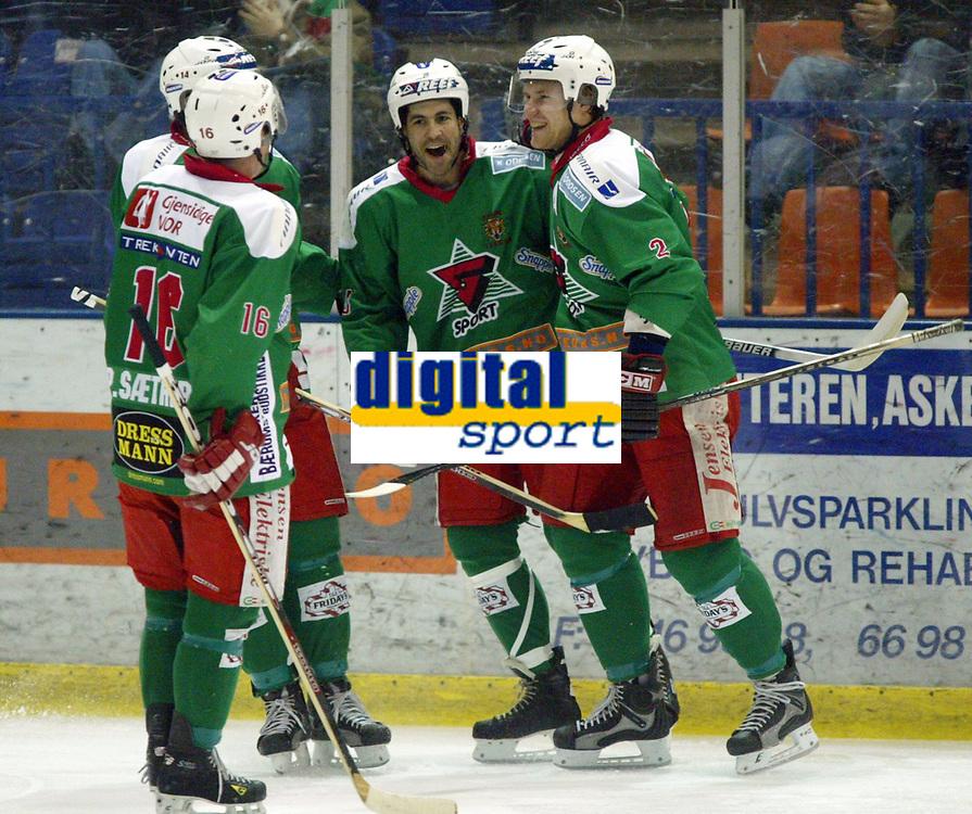 Ishockey, Eliteserien 16. januar 2003, Frisk Asker - Trondheim TIK 5-3.  Jeff Norton , Sami Ville Salomma (2) og Petter Sæther (16), Frisk