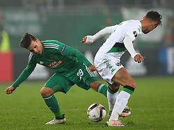 20.10.2016, Weststadion, Wien, AUT, UEFA EL, SK Rapid Wien vs US Sassuolo Calcio, Gruppe F, im Bild Thomas Murg (SK Rapid Wien) und Luca Antei (US Sassuolo Calcio) // during a UEFA Europa League group F match between SK Rapid Vienna and US Sassuolo Calcio at the Weststadion, Vienna, Austria on 2016/10/20. EXPA Pictures © 2016, PhotoCredit: EXPA/ Thomas Haumer
