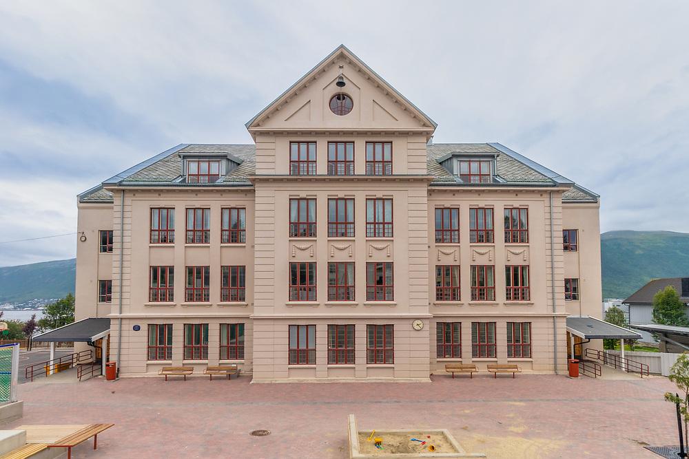 Gyllenborg skole er en barneskole i Tromsø sentrum med nær 300 elever. Skolen ble innviet under navnet Tromsø folkeskole i august 1900 og er således Tromsøs eldste nåværende barneskole. Steinbygget som skolen nå holder til i ble tatt i bruk i 1909.