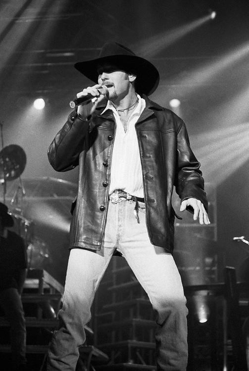 BETHLEHEM - NOVEMBER 11: Tim McGraw performs at Stabler Arena on November 11, 1997 in Bethlehem, Pennsylvania. (Photo by Lisa Lake)