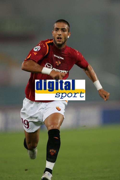 Fotball<br /> Serie A Italia<br /> Foto: Graffiti/Digitalsport<br /> NORWAY ONLY<br /> <br /> 23.09.2004<br /> Roma v Lecce 2-2<br /> <br /> Ahmed Hossam Mido Roma