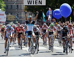 10.07.2011, AUT, 63. OESTERREICH RUNDFAHRT, 9. ETAPPE, PODERSDORF-WIEN, im Bild Etappensieger Daniele Bennati, (ITA, Leopard Trek) // during the 63rd Tour of Austria, Stage 8, 2011/07/10, EXPA Pictures © 2011, PhotoCredit: EXPA/ S. Zangrando