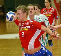 Håndball eliteserien kvinner Byåsen - Våg 39 - 16<br /> Våg hadde ingen ting å stille opp med mot Marit Malm Frafjord og Byåsen<br /> Foto: Carl-Erik Eriksson, Digitalsport