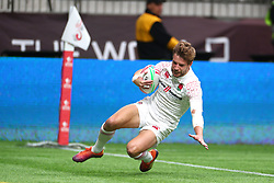 March 9, 2019 - Vancouver, BC, U.S. - VANCOUVER, BC - MARCH 09:  Tom Mitchell (6) of England runs the ball in for a try vs Scotland during day 1 of the 2019 Canada Sevens Rugby Tournament on March 9, 2019 at BC Place in Vancouver, British Columbia, Canada. (Photo by Devin Manky/Icon Sportswire) (Credit Image: © Devin Manky/Icon SMI via ZUMA Press)