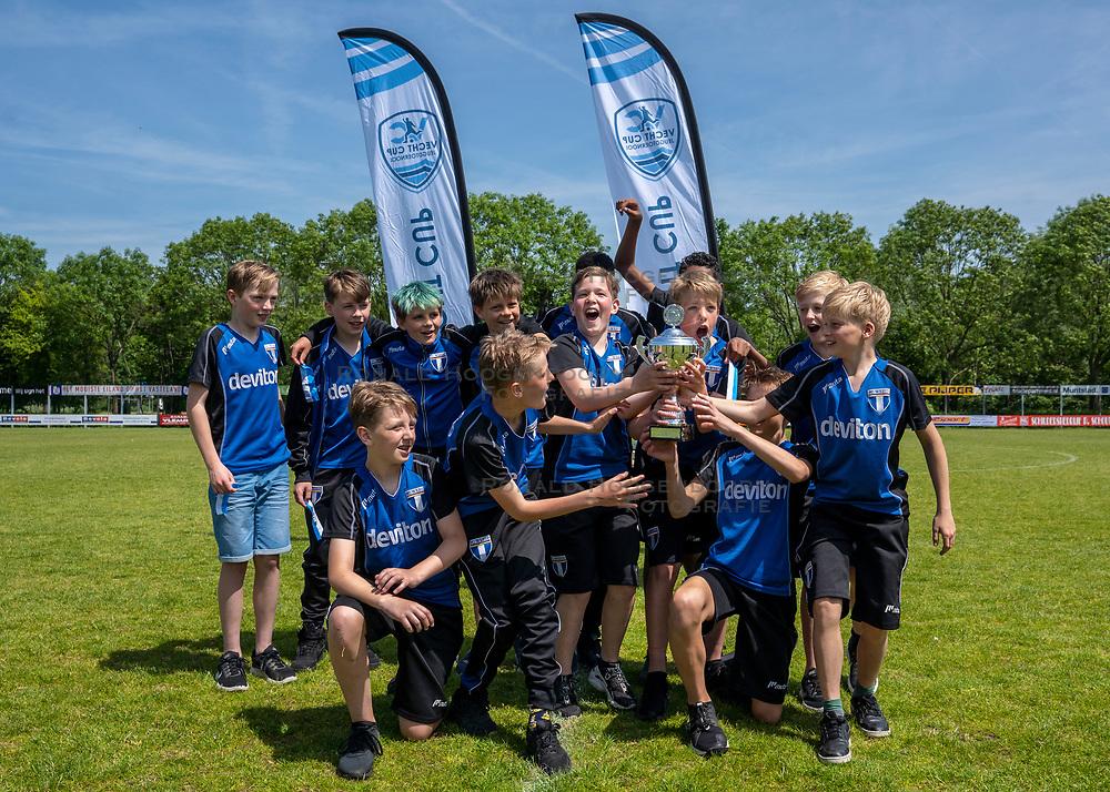 01-06-2019 NED: Strijd om de Vechtcup, Maarssen<br /> Voetbaltoernooi vv Maarssen O13 en O15 / FC Weesp kampioen bij O13 poule b