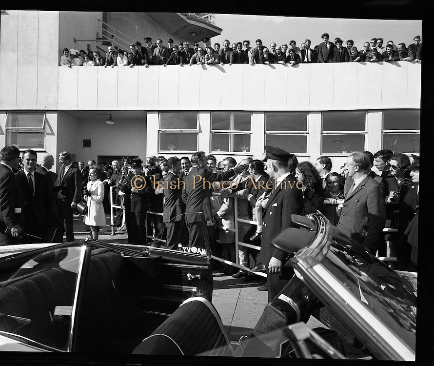 American Astronauts visit Dublin.<br /> 1970.<br /> 13.10.1970.<br /> 10.13.1970.<br /> 13th October 1970.<br /> The Astronauts of the Apollo 13 moon mission visited Ireland as part of a European tour. James Lovell, John Swigert and Fred Haise were on a planned landing on the lunar surface ,when two day after blast off on 11 April 1970 an explosion aboard the craft resulted in one of the most amazing missions in the Apollo series. The explosion placed the crew in severe danger and it was only through much skill and courage that the astronauts managed to make emergency repairs to enable them to return home. Up until they returned on 17th April the world held its breath as the astronauts fought their way back to Earth.<br /> <br /> Image shows some of the crowds who came to the airport to greet the Apollo 13 crew.