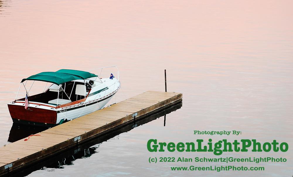 Boat on Alexandria Bay, New York, USA. Photo by Alan Schwartz/GreenLightPhoto. Please contact GreenLightPhoto for additional information.