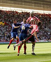 Photo: Jake Eastham.<br /> Southampton v Crewe. Coca Cola Championship.<br /> 27/08/2005.Richard Fuller gets above the Crewe defence.