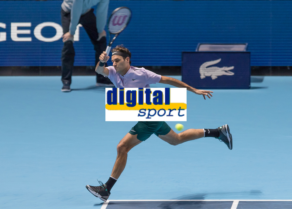 Tennis - 2017 Nitto ATP Finals at The O2 - Day Five<br /> <br /> Group Boris Becker Singles: Roger Federer (Switzerland) Vs Marin Cilic (Croatia)<br /> <br /> Roger Federer (Switzerland) with a whipped forehand return at the O2 Arena<br /> <br /> COLORSPORT/DANIEL BEARHAM