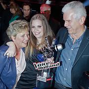 NLD/Hilversum/20120120 - Finale the Voice of Holland 2012, winnares Iris Kroes en haar ouders