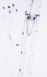 THEMENBILD - Skifahrer auf der Piste nach dem verlassen eines Schleppliftes, aufgenommen am 23. Dezember 2018 in Kaprun, Oesterreich // Skier on the slope after leaving a t-bar lift, Kaprun, Austria on 2018/12/23. EXPA Pictures © 2018, PhotoCredit: EXPA/ JFK