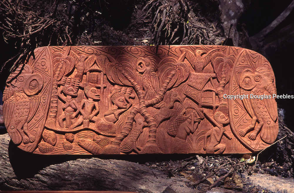 Papua New Guinea, Madang, storyboard carving<br />