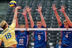13-09-2019 NED: EC Volleyball 2019 Czech Republic - Ukraine, Rotterdam<br /> First round group D / Cze's Jakub Janouch #18, Cze's Vojtech Patocka #9, Cze's Donovan Dzavoronok #4
