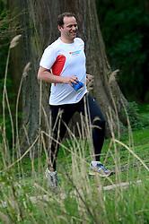 10-04-2014 NED: NY City Marathon training Vriendenloterij, Amsterdam<br /> In het Amsterdamse Vondelpark werden de eerste meters gelegd door de lopers van de vriendenloterij / Leo