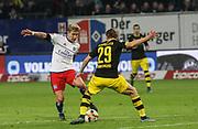 Fussball: Deutschland, 1. Bundesliga, Hamburger SV - BVB Borussia Dortmund, Hamburg, 20.11.2015<br /> <br /> Lewis Holtby (HSV, l.) - Marcel Schnmelzer (BVB)<br /> <br /> © Torsten Helmke