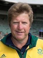 DEN HAAG - Bondscoach Giles Bonnet. Team van Zuid Afrika dames. WORLD CUP HOCKEY. COPYRIGHT KOEN SUYK