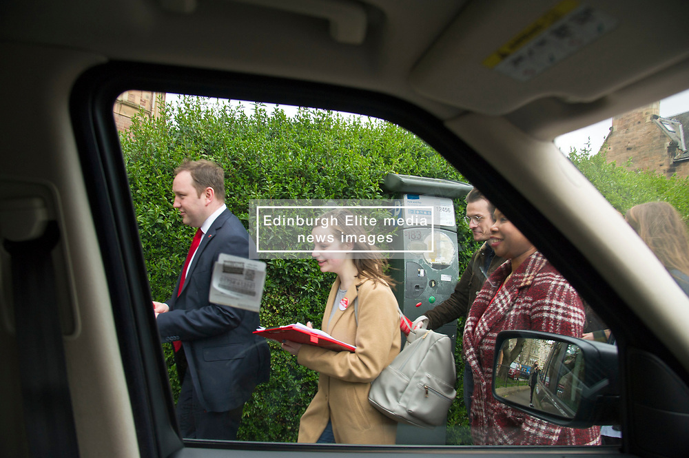 Pictured: Ian Murray and supporters in action in Nile Grove<br /> <br /> Scottish Labour's Ian Murray and Scottish Labour leader Kezia Dugdale hit the general election campaign trail in Edinburgh today for the first campaign event of Mr Murray's re-election campaign for the Edinburgh South constituency.<br /> Ger Harley   EEm 21 April 2017