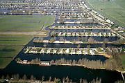 Nederland, Utrecht, Maarssenveensche Plassen, 08-03-2002; dagrecreatie in de Molenpolder: stacaravans met eigen steiger (!) en tuinhuisjes in plassengebied; natuur - landbouw - recreatie; camping kamperen watersport toerisme tweede huisje vakantie caravan;<br /> luchtfoto (toeslag), aerial photo (additional fee)<br /> foto /photo Siebe Swart
