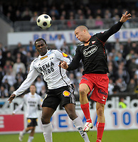 Fotball tippeligaen 12.04.08 Rosenborg ( RBK ) - Fredikstad,<br /> Yssouf Koné RBK og Patrick Gerrbrand FFK,<br /> Foto: Carl-Erik Eriksson, Digitalsport