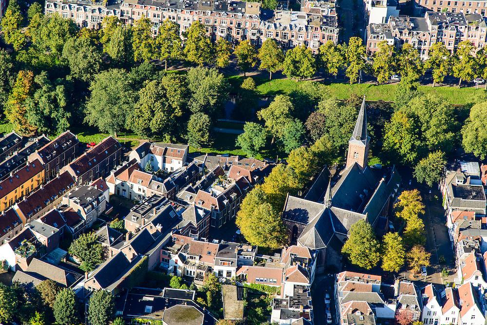 Nederland, Utrecht, Gemeente Utrecht, 30-09-2015; Zuidelijk deel van de binnenstad. Geertekerk, Catharijnesingel.<br /> Southern part of downtown Utrecht city centre.<br /> luchtfoto (toeslag op standard tarieven);<br /> aerial photo (additional fee required);<br /> copyright foto/photo Siebe Swart