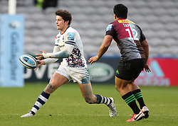 Piers O'Conor of Bristol Bears passes the ball watched by Ben Tapuai of Harlequins  - Mandatory by-line: Matt Impey/JMP - 26/12/2020 - RUGBY - Twickenham Stoop - London, England - Harlequins v Bristol Bears - Gallagher Premiership Rugby