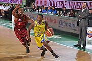 DESCRIZIONE : Treviso Lega A 2011-12 Umana Venezia Fabi Schoes Montegranaro<br /> GIOCATORE : Jerel McNeal<br /> CATEGORIA :  Palleggio<br /> SQUADRA : Umana Venezia Fabi Schoes Montegranaro<br /> EVENTO : Campionato Lega A 2011-2012<br /> GARA : Umana Venezia Fabi Schoes Montegranaro<br /> DATA : 30/10/2011<br /> SPORT : Pallacanestro<br /> AUTORE : Agenzia Ciamillo-Castoria/M.Gregolin<br /> Galleria : Lega Basket A 2011-2012<br /> Fotonotizia :  Treviso Lega A 2011-12 Umana Venezia Fabi Schoes Montegranaro  <br /> Predefinita :