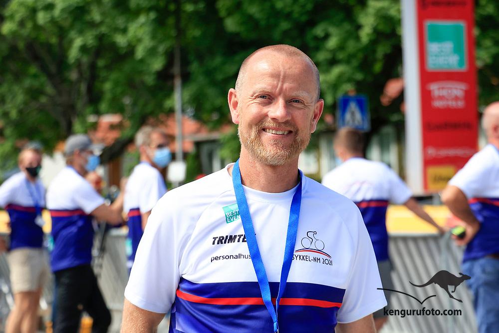 Vennesla 20210613. <br /> Daglig- og sportslig leder i KCK Kristiansands Cykleklubb og leder for sykkel-NM 2021 i Vennesla under søndagens fellesstarter.<br /> Foto: Tor Erik Schrøder / NTB
