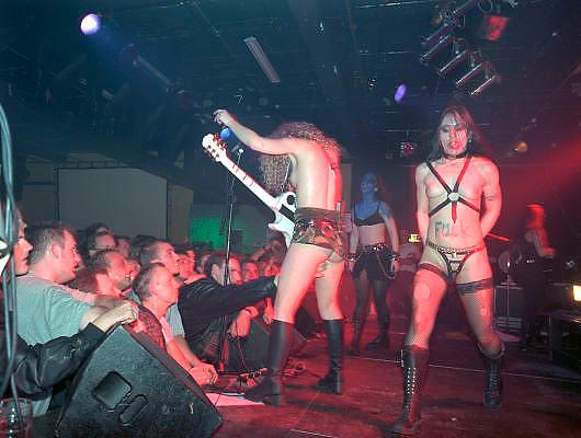 Nederland, NIjmegen, 13-4-1997De porno rockband Rockbitch treedt op bij poppodium, cultureel centrum Doornroosje.Foto: Flip Franssen/Hollandse Hoogte