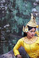 Asie du Sud Est, Cambodge, Province de Siem Reap, Angkor, complexe des temples de Angkor, Patrimoine Mondial UNESCO en 1992, temple de Bayon, XIII siecle, danseuse Apsara // Southeast Asia, Cambodia, Siem Reap Province, Angkor, Unesco World heritage since 1992, Bayon temple, XIII th century, Apsara dancer