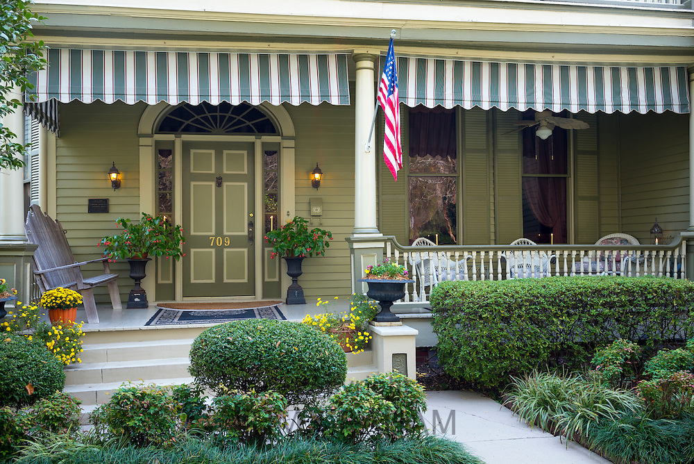 Devereaux Shields House bed and breakfast hotel with Stars and Stripes flag in North Union Street, Natchez, Mississippi USA