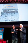 Boekpresentatie Moet je horen...100 JAAR RADIO in Beeld en Geluid, Hilversum.<br /> <br /> Op de foto:  Govert van Brakel geeft het eerste exemplaar aan Jan Slagter