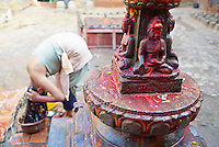 Nepal. Vallee de Katmandou. Village de Thimi. Statue de Bouddha. // Nepal. Kathmandu valley. Village of Thimi. Boudha statue.