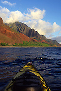 Kayaking, Napali Coast, Kauai, Hawaii<br />