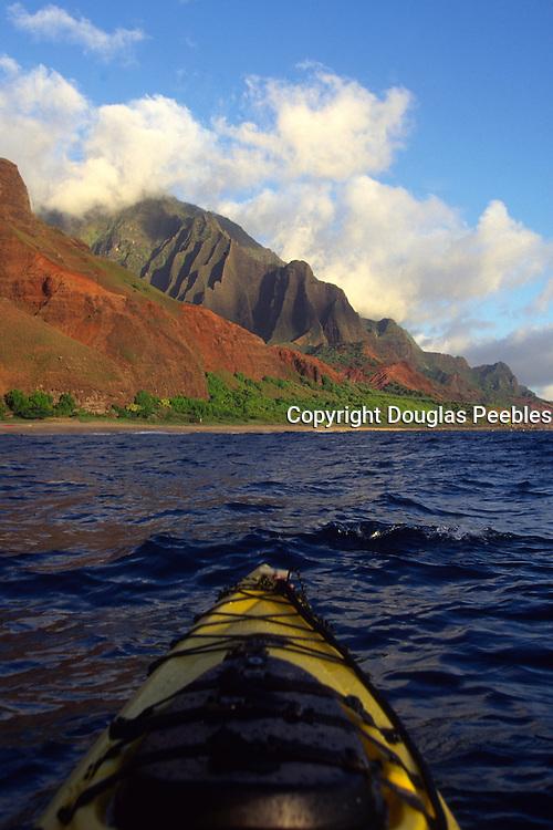 Kayaking, Napali Coast, Kauai, Hawaii<br />