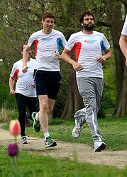 10-04-2014 NED: NY City Marathon training Vriendenloterij, Amsterdam<br /> In het Amsterdamse Vondelparkwerden de eerste meters ggelegd door de lopers van de vriendenloterij / (L-R) Bas, Simon